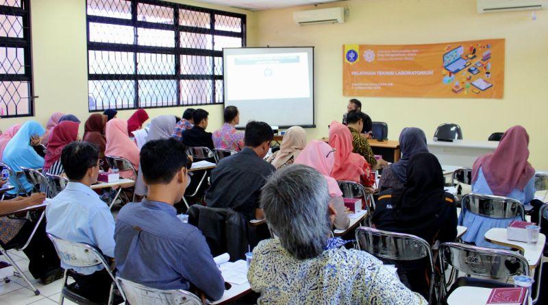Tendik IPB Ikuti Pelatihan Teknisi Lab di FMIPA