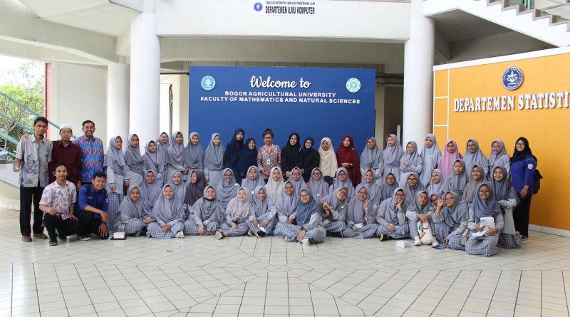 Kunjungan Sekolah MA Al-Hikmah Cirebon ke FMIPA IPB