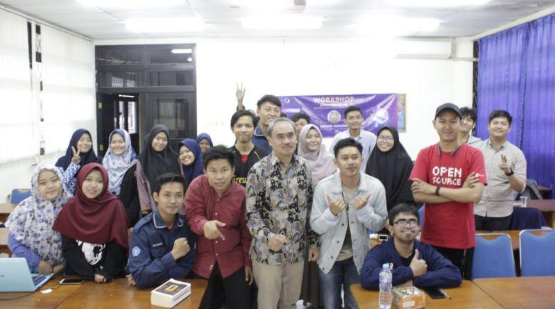 Alumni Ajarkan Kolaborasi pada Mahasiswa Fisika IPB University