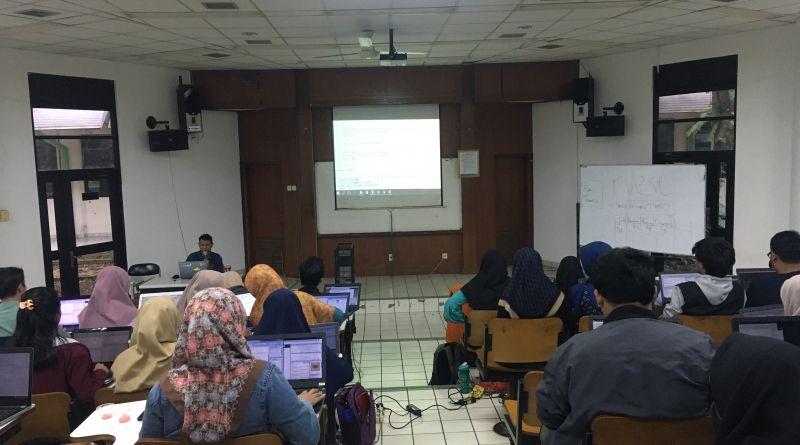 Statistics Academy 2.0 Ajarkan Mahasiswa Perancangan Survei dan Data Crawling