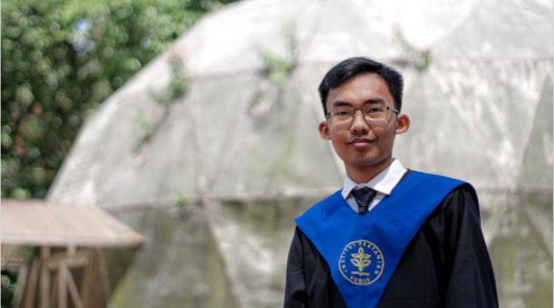 Anak Sopir Ini Jadi Lulusan Terbaik Fakultas MIPA IPB University